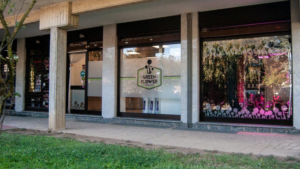 Vetrate negozio green flower - grow shop Lecco, Monza, Como - 2
